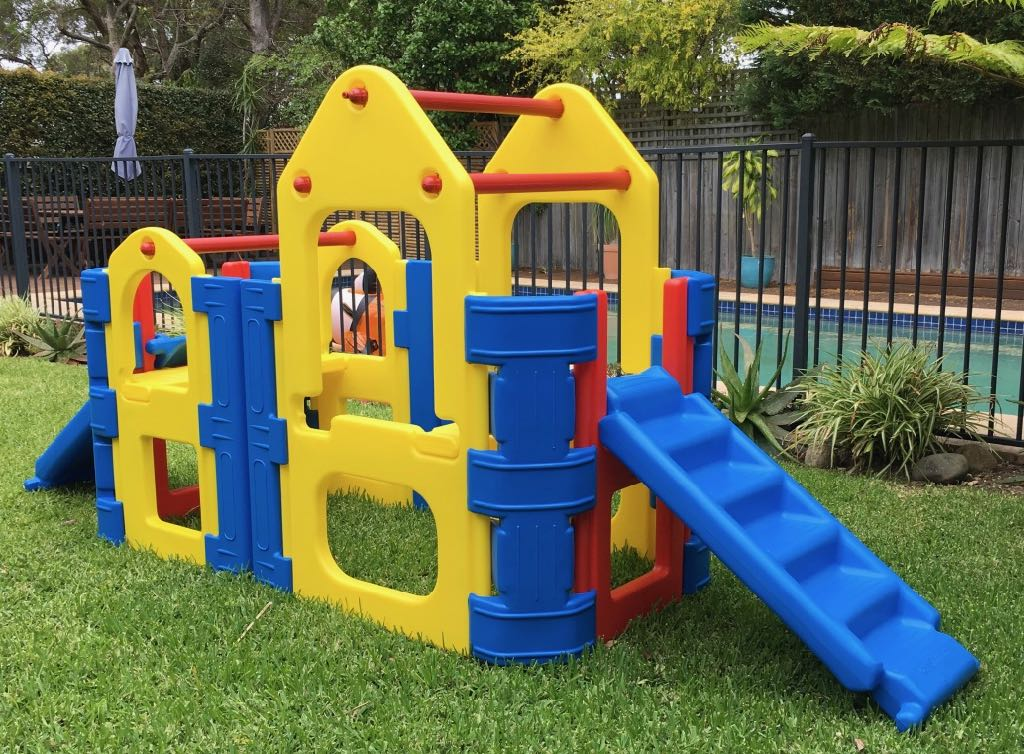 kids outdoor play gym maxi climber with two steps slides and water spray bar sydney or. Black Bedroom Furniture Sets. Home Design Ideas